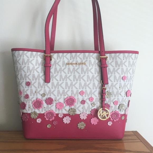 bb571352556b Michael Kors Bags | Carryall Tote Bright Pink Floral | Poshmark